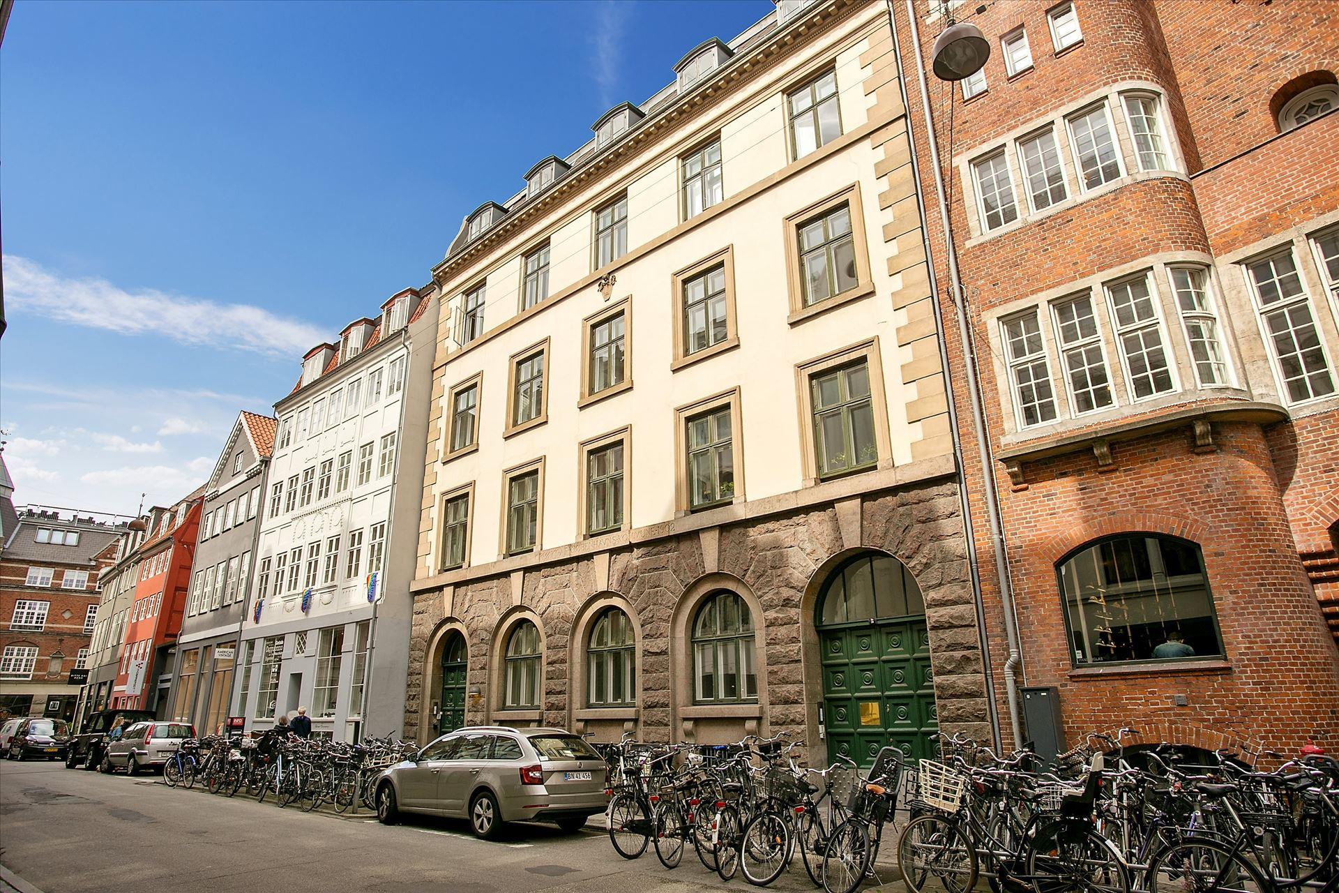 245 m² kontor – ny istandsat