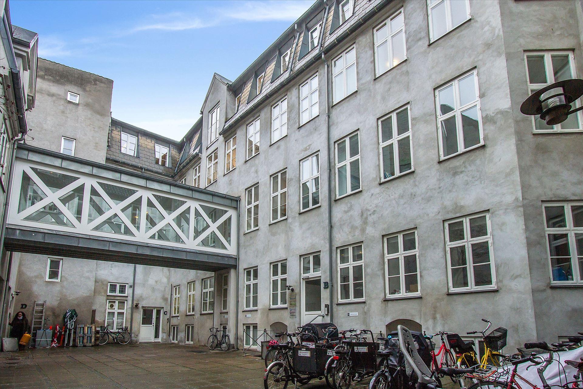 148 m² kontor –  momsfrit – ny istandsat
