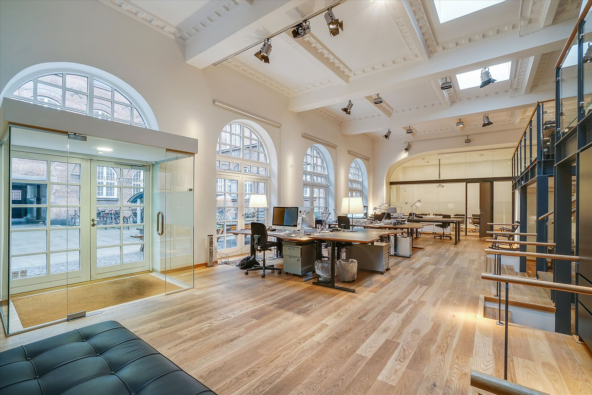 262 m² kontor /showroom – Pakhusstil