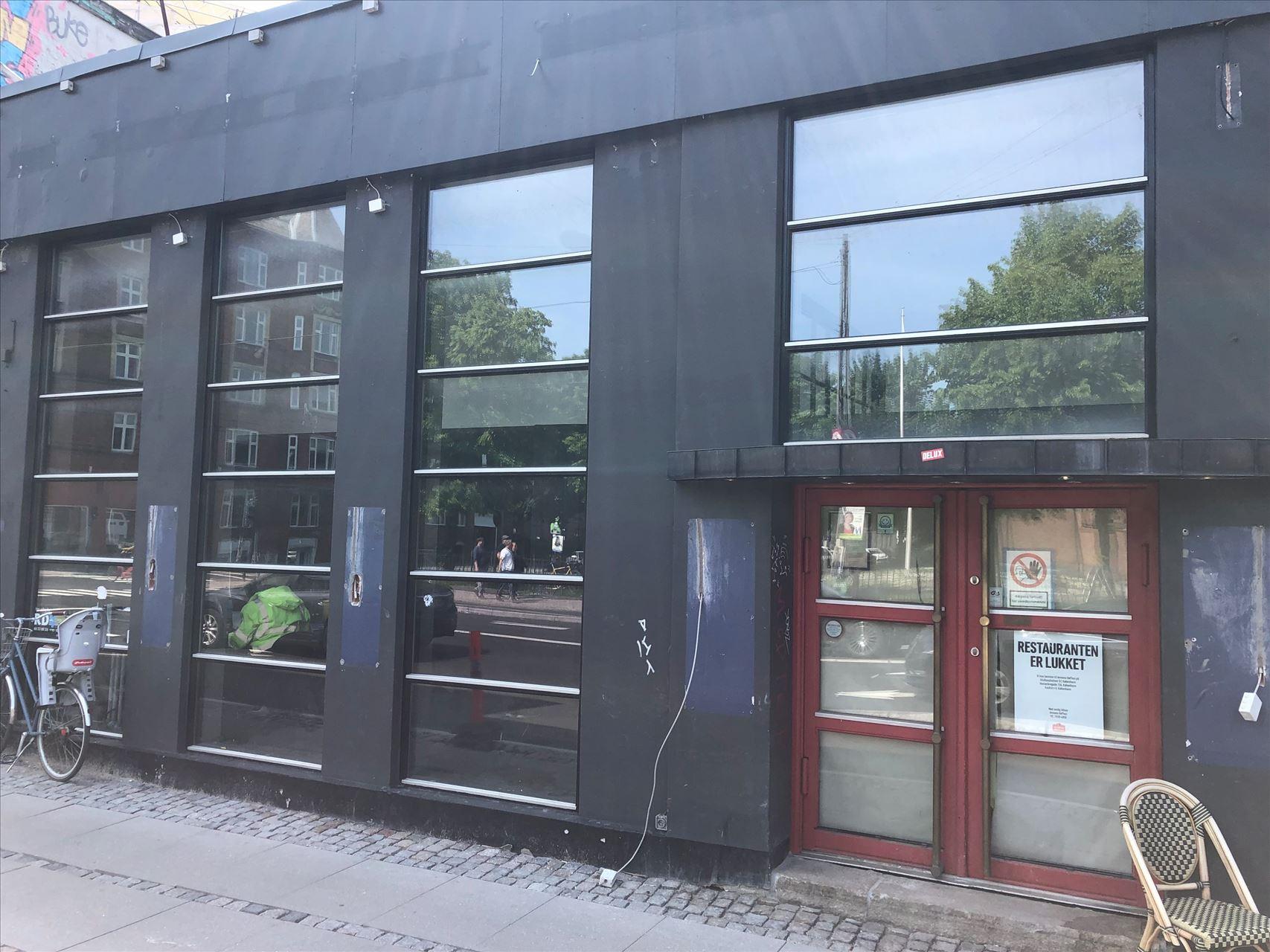 372 m² restaurant / butik