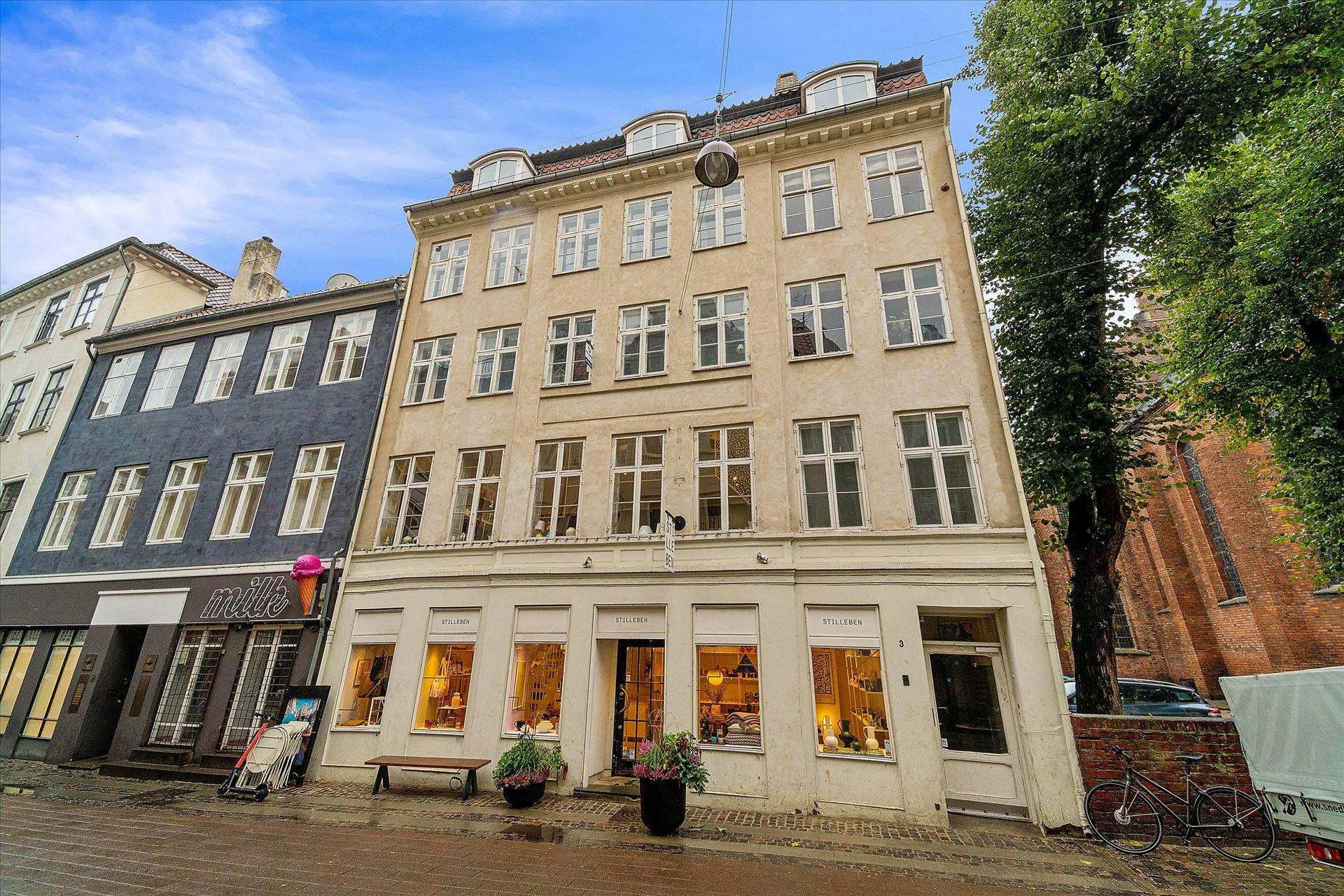 Stilleben's startup-butik • Afståelse