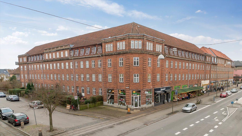 76 m² hjørnebutik • Frb. • Andel