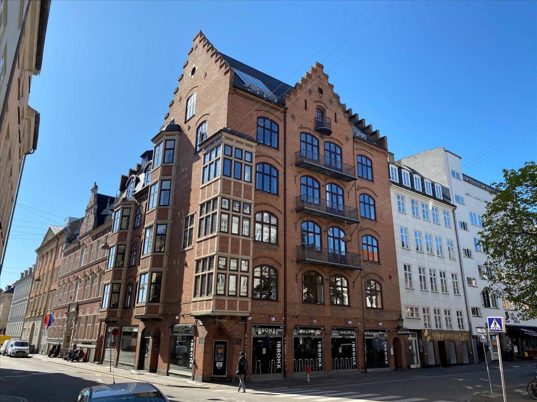 291 m² momsfrit og velholdt kontor