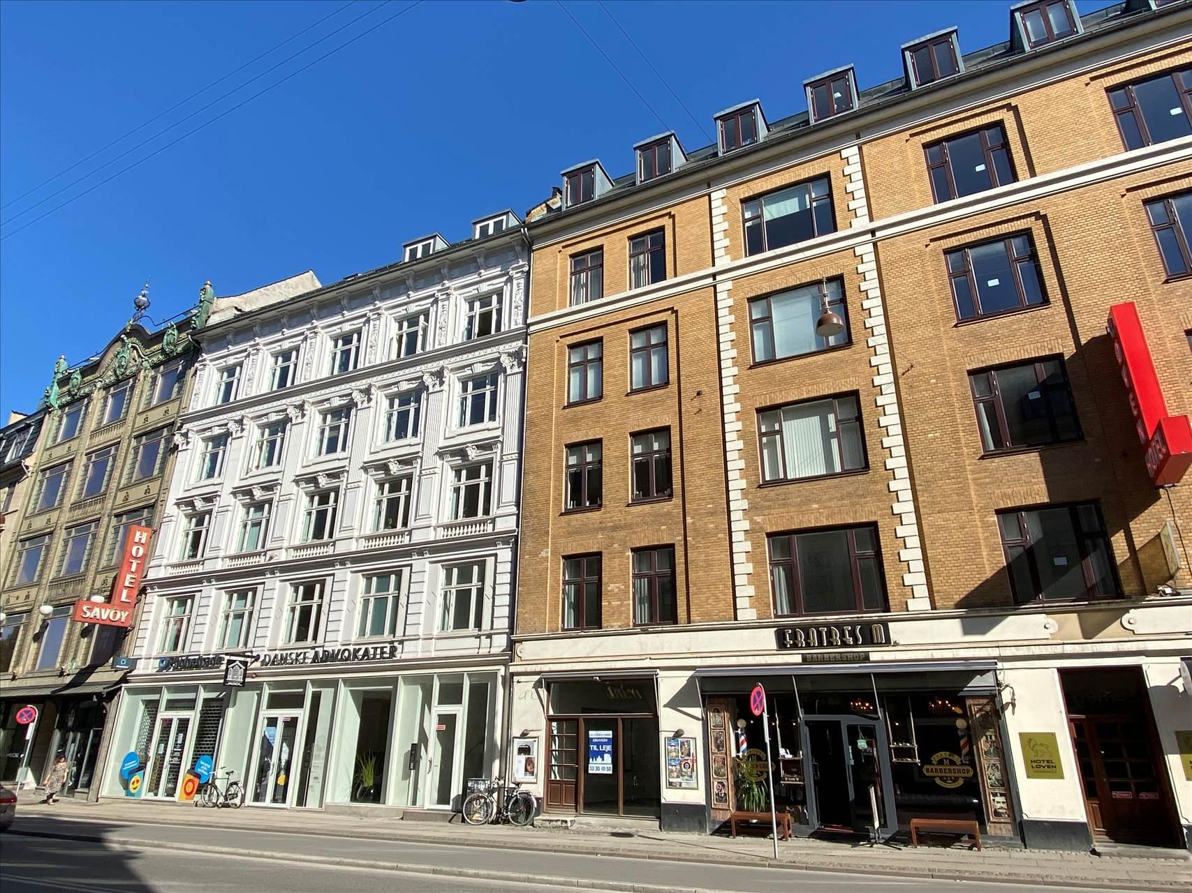 96 m² klinik/butik på Vesterbrogade