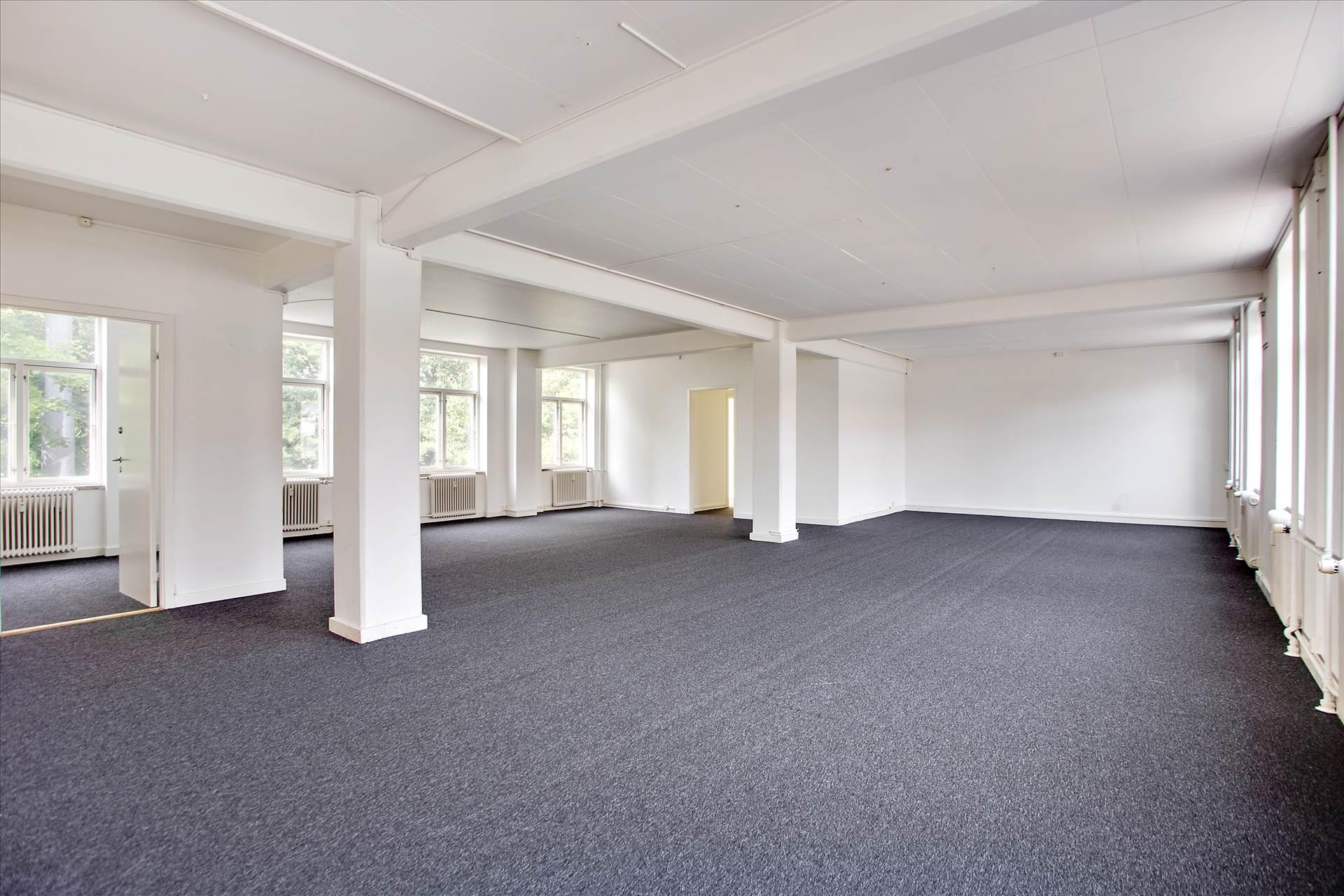 234 m² erhvervslokale • Hvidovre