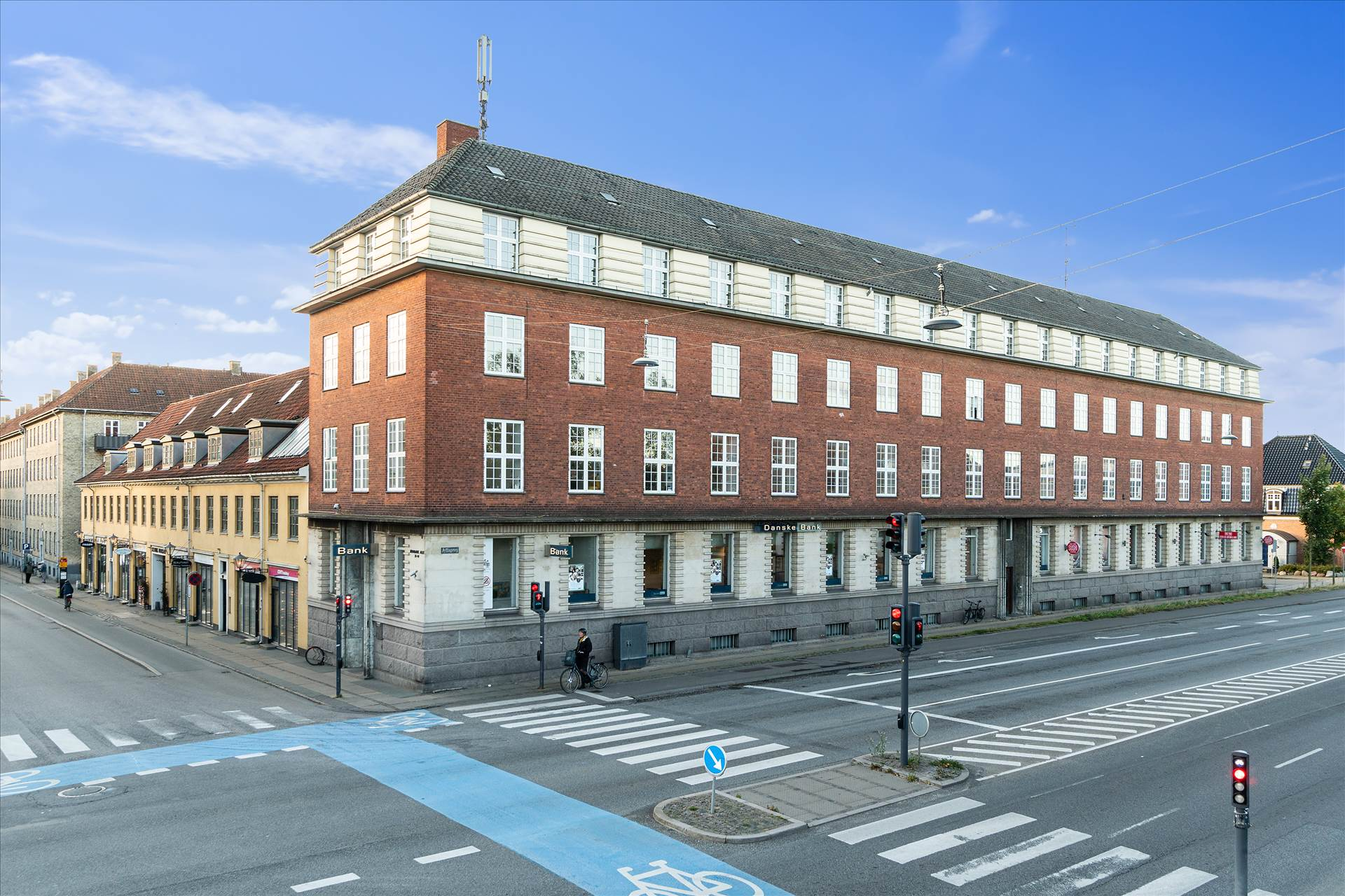 343 m² butik • hjørneejendom i Vanløse