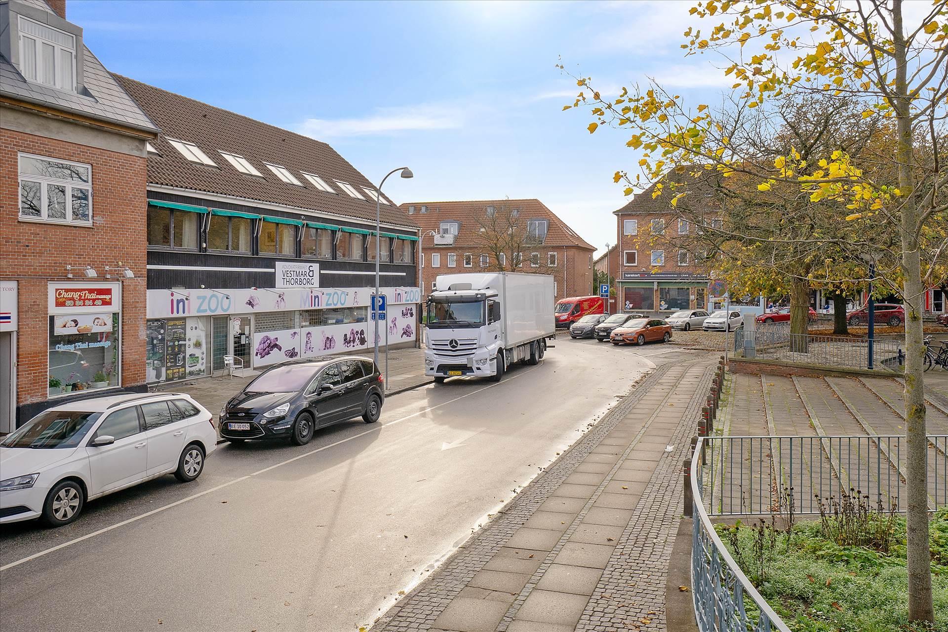 239 m² butik + 149 m² kælder • Hvidovre