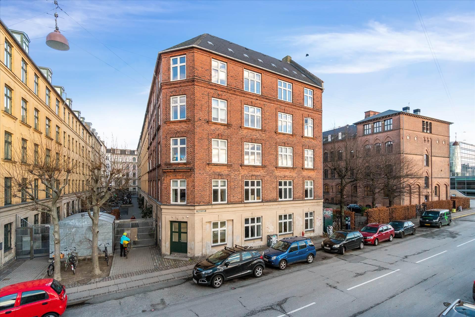102 m² butik/showroom • ved Kødbyen