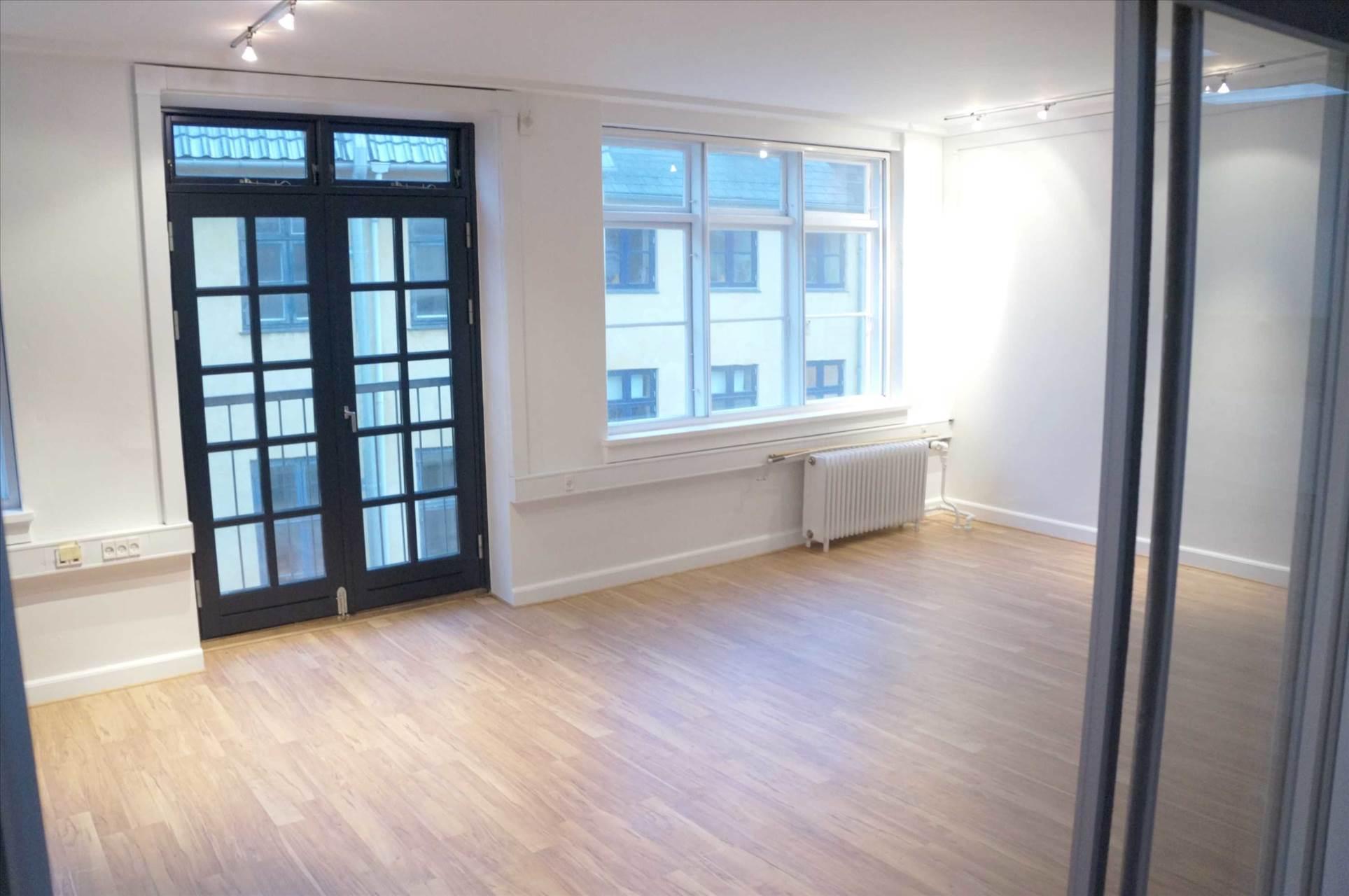 125 m² kontor/showroom • København K
