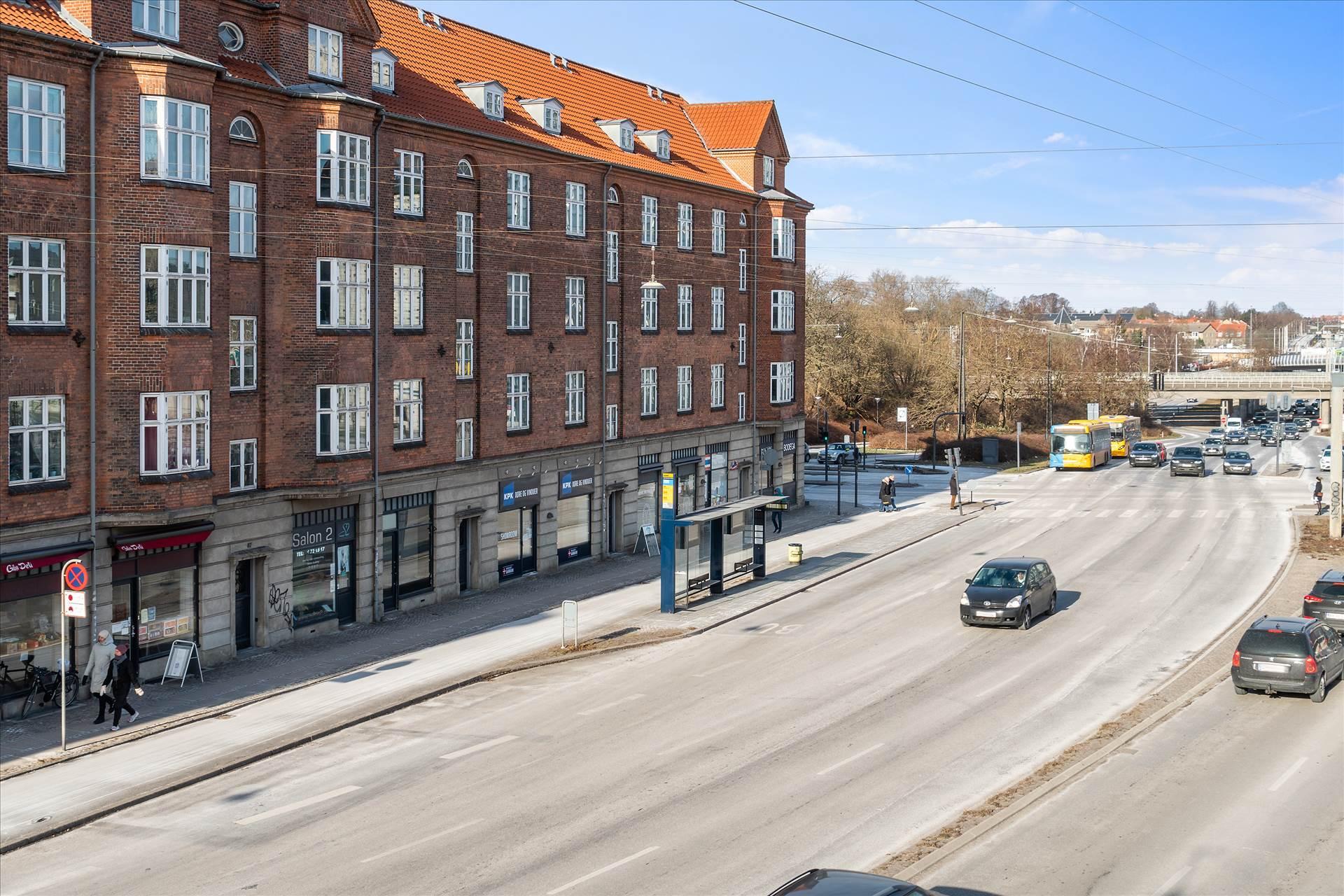 56 m² butik • Lyngbyvej