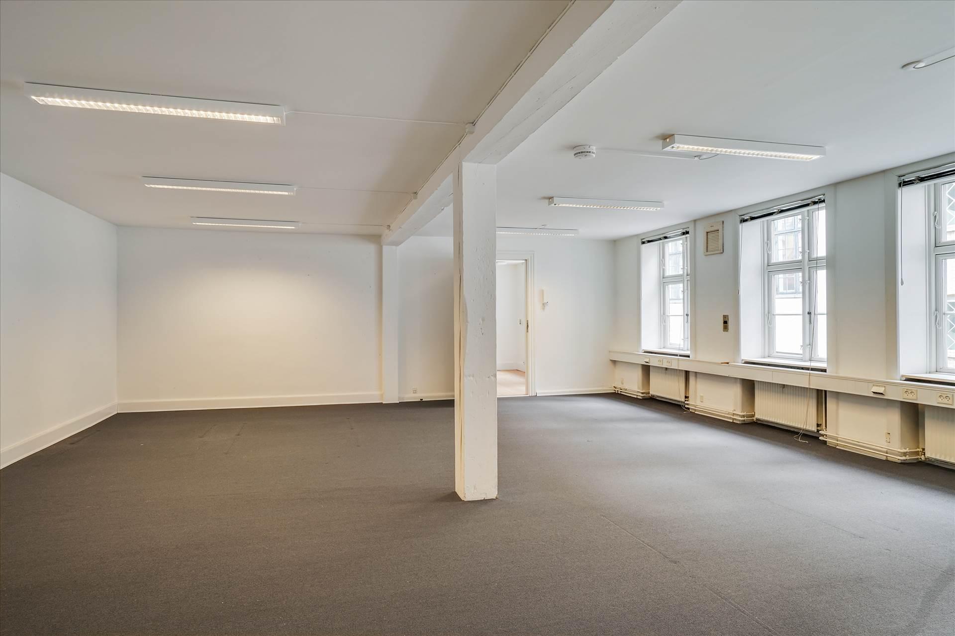 288 m² kontor • storrum • København