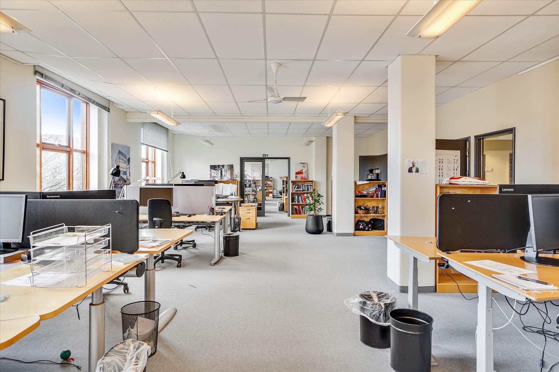 1.172 m² kontor • Østerbro
