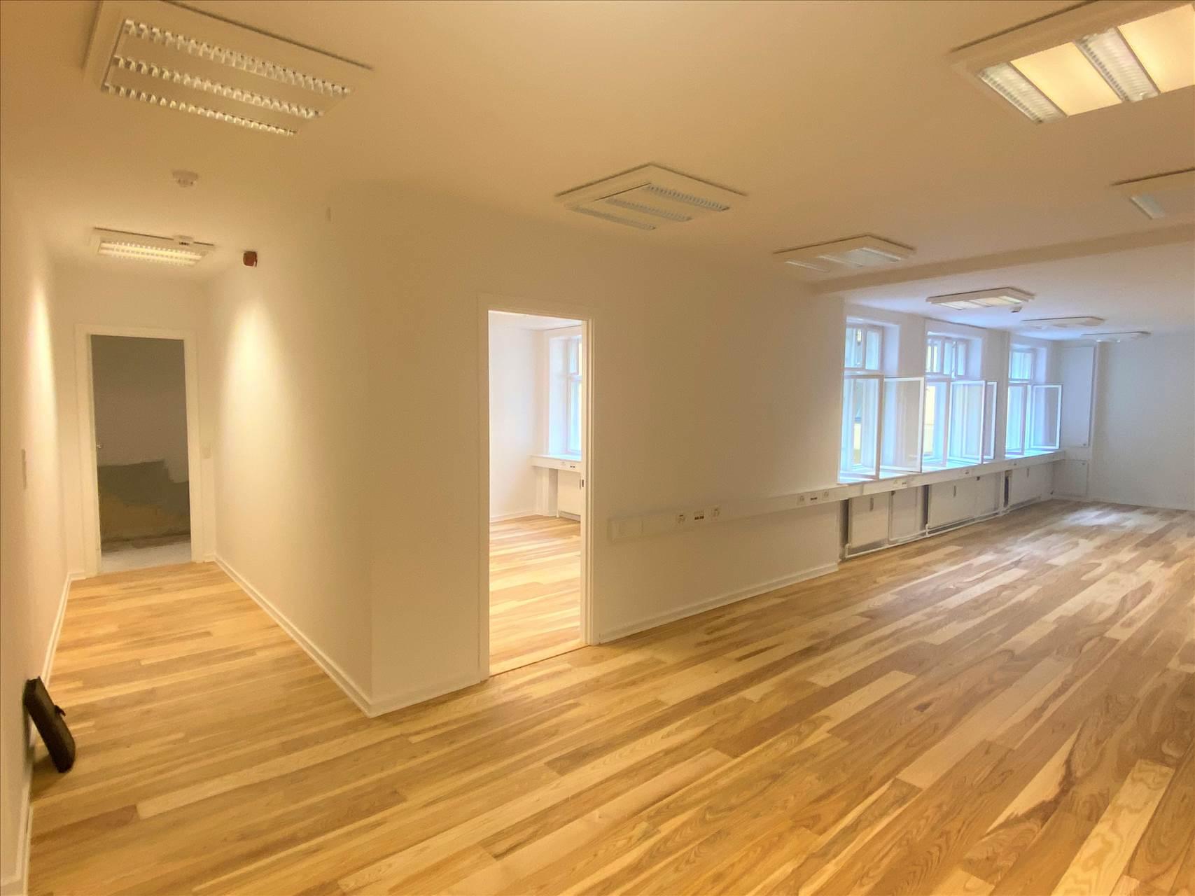99 m² kontor • Nyistandsat
