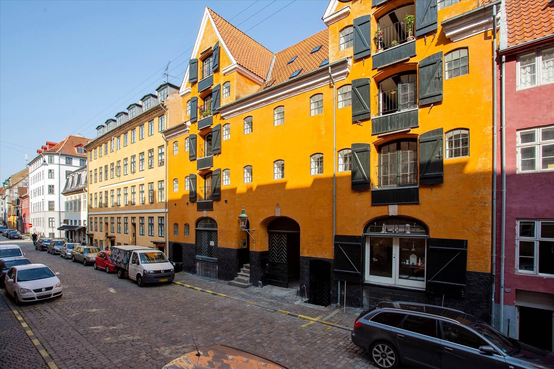 230 m² kontor & 175 m² bolig